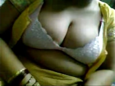 my desi aunty blouse removing n masage boobs